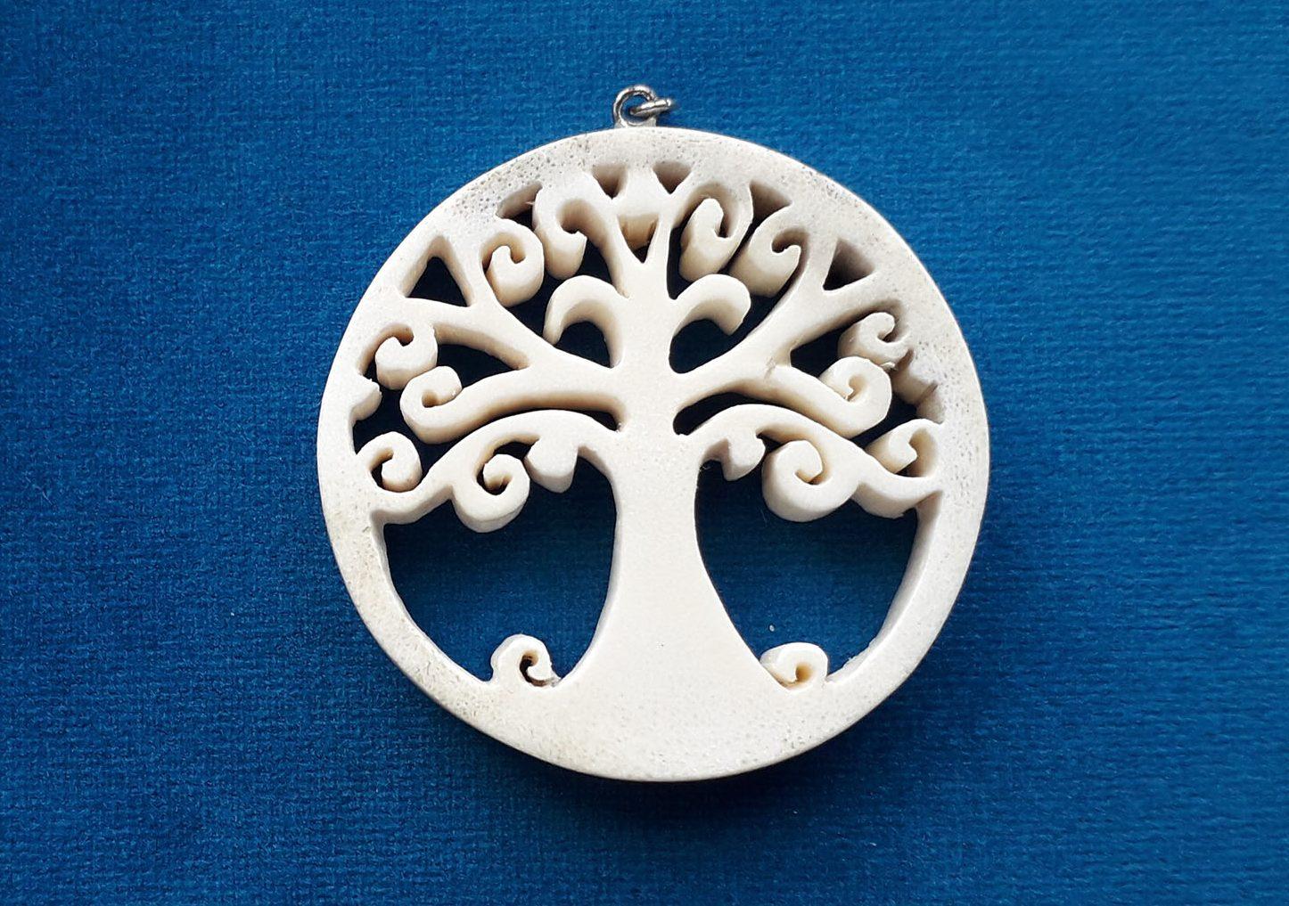 smycke som träd i älghorn